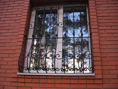 В какой цвет покрасить оконные решетки?